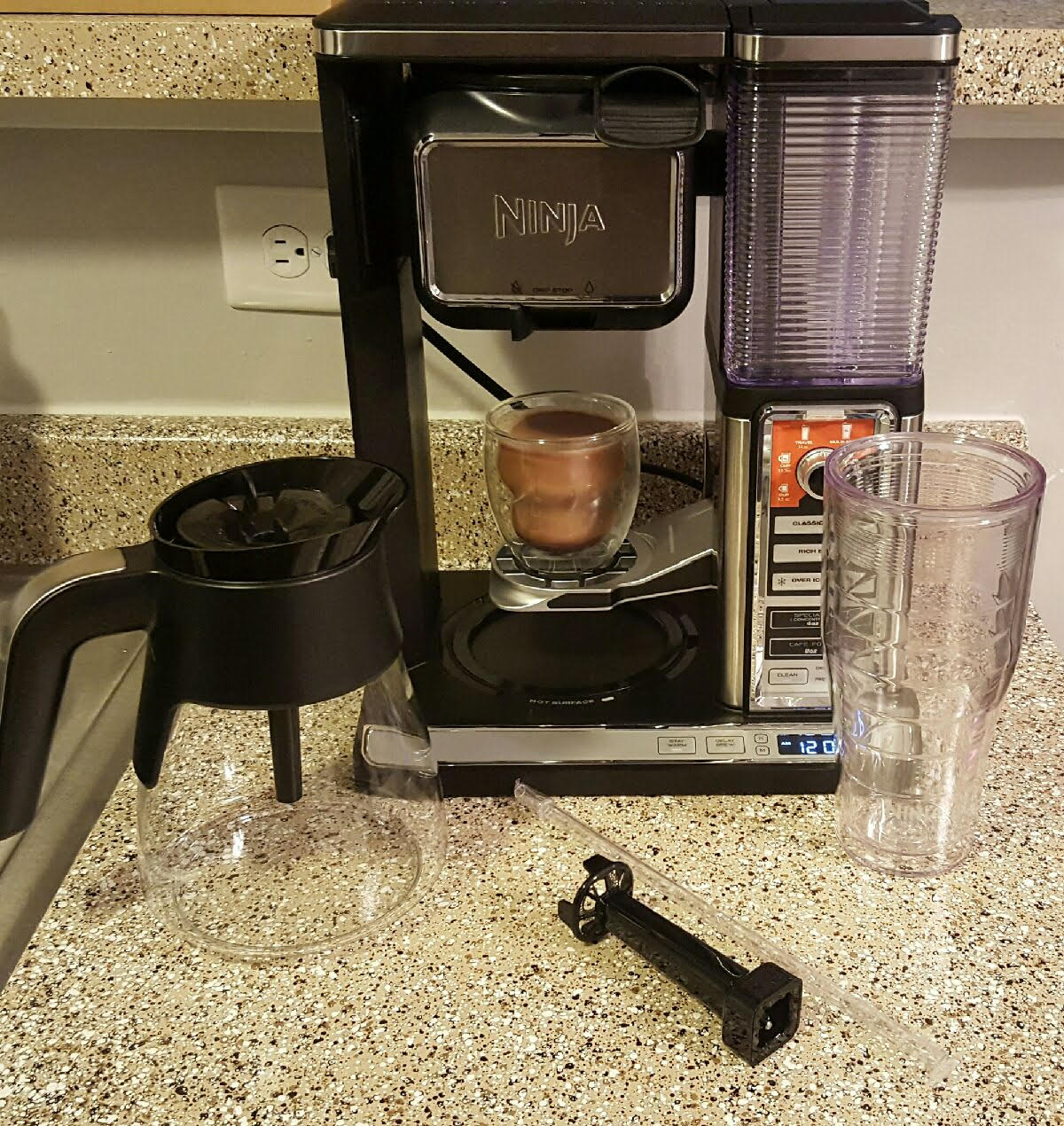 The Ninja Coffee Bar Glass Carafe System Review Holidaygiftguide Queen Thrifty