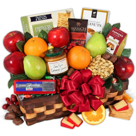 Valentines-Day-Fruit-Gift-Basket_large.jpg