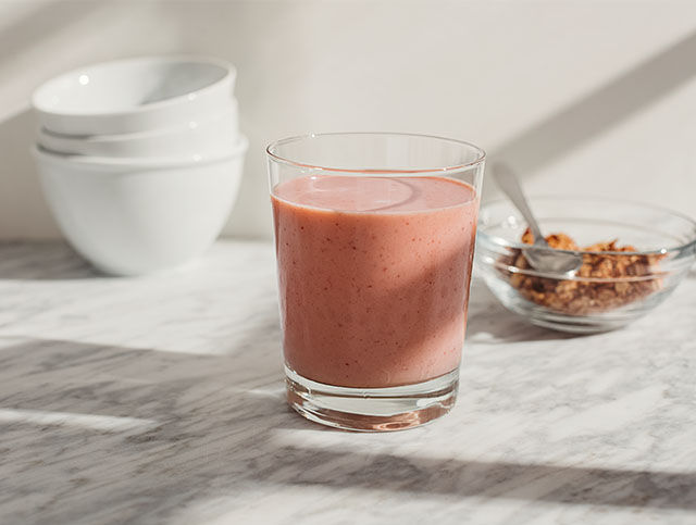 hero-recipe-strawberry-banana-protein-shake