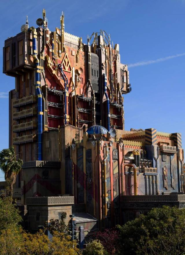 Guardians-of-the-Galaxy-–-Mission-BREAKOUT-ride-that-at-Disneyland.jpg