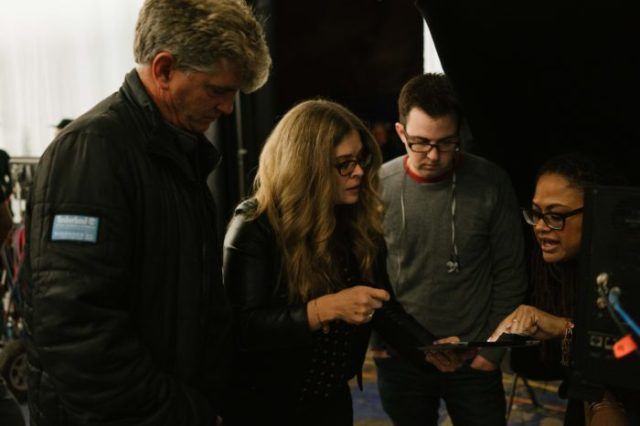 A-Wrinkle-In-Time-Jennifer-Lee-On-Set-700x467.jpg